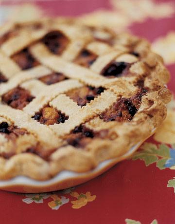 peach-pie-closeup-ABFOOD0506-de