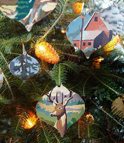 03-all-through-the-house-ornaments-0114-xln